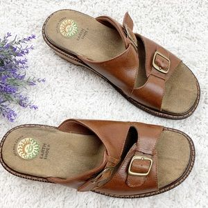 Earth Shoe Leather Tan & Brown Slid On Shoes | 9